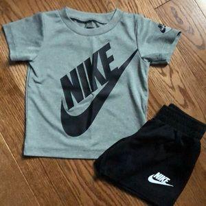 Nike boys matching set. Size 12m